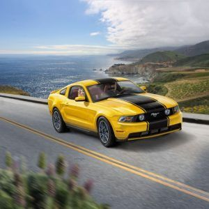 1:25 Revell 07046 2010 Ford Mustang GT